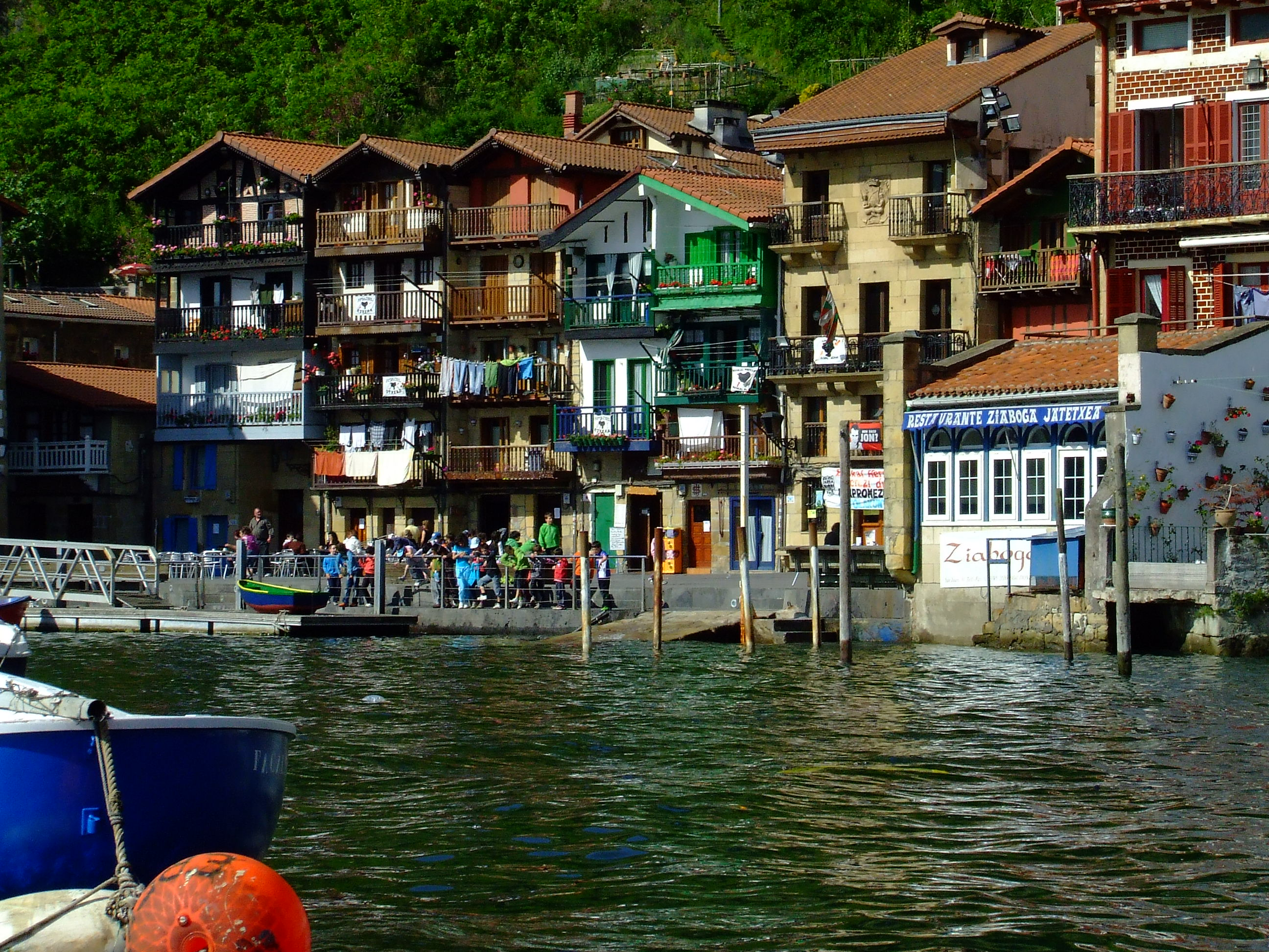 Guided tour in the Old Town of Pasaia